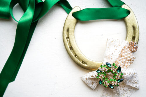 Emerald Wedding Horse shoe